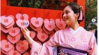 Chelsea Islan saat liburan di Inuyama Castle, Nagoya, Jepang. (dok.Instagram @chelseaislan/https://www.instagram.com/p/BwhkMHhAFRD/Henry