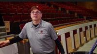 Fred yang berkerja menjadi penjaga universitas