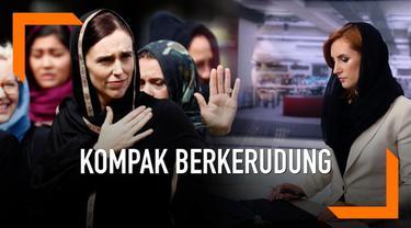 Penembakan masjid di kota Christchurch, Selandia Baru terus jadi sorotan. Para pembaca berita perempuan di Selandia Baru kompak mengenakan kerudung sebagai bentuk solidaritas.