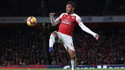 2. Pierre-Emerick Aubameyang (Arsenal) - 8 gol dan 1 assist (AFP/Daniel Leal Olivas)