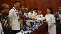 Rancangan Undang-undang (RUU) Sistem Budidaya Pertanian Berkelanjutan memasuki pembicaraan tingkat 1. Dalam pembahasaan yang digelar Komisi IV di Gedung Parlemen ini, sejumlah anggota fraksi mendukung dan menyetujui pembahasan lanjutan ke tingkat 2.