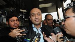 Dirut PJB Investasi Gunawan Yudi Hariyanto usai diperiksa penyidik di Gedung KPK, Jakarta, Kamis (19/7). Gunawan Yudi Hariyanto diperiksa sebagai saksi terkait dugaan suap proyek PLTU Riau-1. (Merdeka.com/Dwi Narwoko)