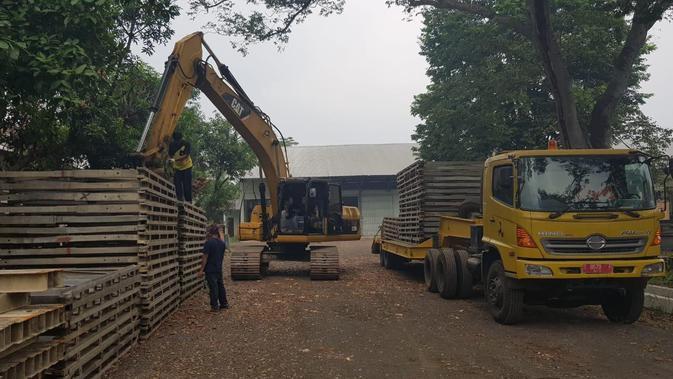 Jembatan Cipatujah mengalami kerusakan akibat hujan lebat dan debit banjir Sungai Ciandum Cipatujah yang tinggi. (Foto: Kementerian PUPR)#source%3Dgooglier%2Ecom#https%3A%2F%2Fgooglier%2Ecom%2Fpage%2F%2F10000