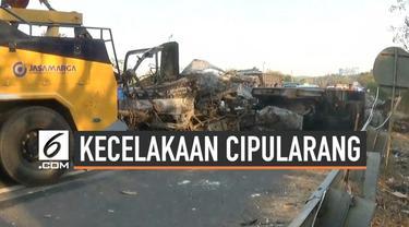 Kecelakaan tabrakan beruntun kembali terjadi di jalan tol Cipularang hari Selasa (10/9/2019). Kecelakaan disebabkan oleh sebuah truk yang hilang kendali.