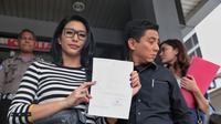 Tyas Mirasih di Polda (Adrian Putra/bintang.com)