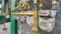 Instalasi jaringan gas PGN terpasang di Rusunawa Griya Tipar Cakung, Jakarta, Kamis (28/11/2019). Menurut pengelola rusun, saat ini tercatat hampir 90 persen penghuni beralih menggunakan Jargas PGN karena lebih hemat biaya. (merdeka.com/Iqbal Nugroho)