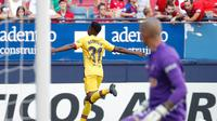 Ansu Fati mencetak gol perdana untuk tim senior Barcelona saat menghadapi Osasuna. (dok. La Liga)