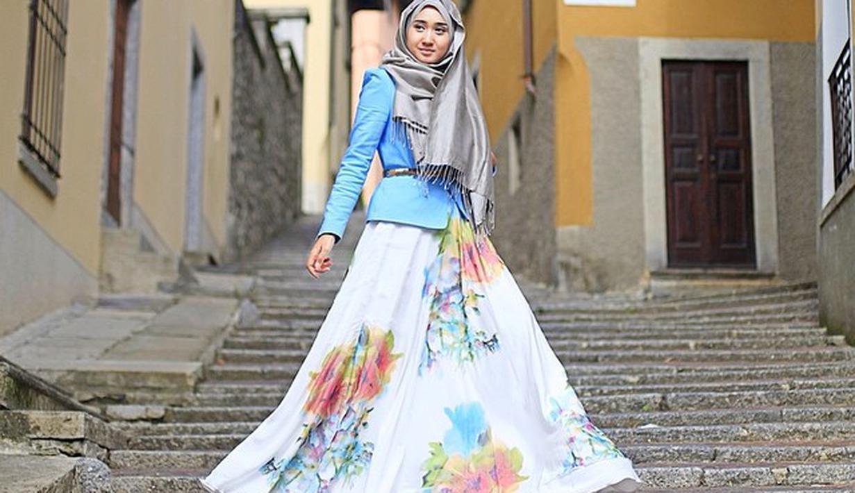 Style pakaian hijabpakaian hijab anak mudafashion hijabtrend busana hijab  anakbaju muslimbaju muslim terbarubaju muslim wanitabaju muslim syari. fe6164df78