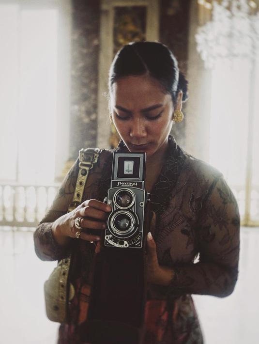 Tara Basro rupanya tengah berada di prancis bersama sang suami. (Foto: Instagram/ Tara Basro)