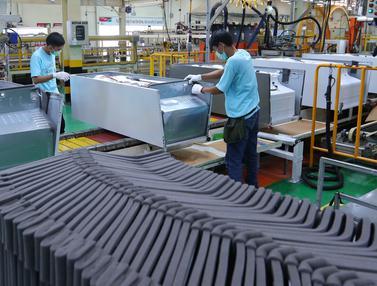 20160906- Pabrik Kulkas Ini Hasilkan 5.000 Unit Per Hari-Jakarta- Angga Yuniar