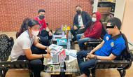 Tersangka penipuan online yang berhasil kurang uang ratusa juta dari BUMDes Sinar Jaya, Kabupaten Kampar. (Liputan6.com/M Syukur)