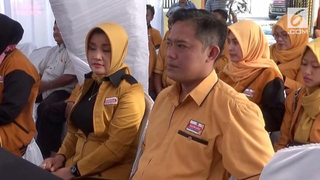 Seorang pedagang angkringan dan kopi di Ngawi mendaftar sebagai bakal calon legislatif dari Partai Hanura.
