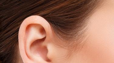Menghilangkan Bekas Tindik di Telinga