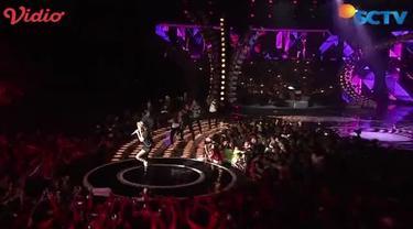 """Saksikan Konser Malam Puncak 26 selengkapnya di www.sctv.co.id  Simak penampilan dari Agnez Mo yang membawakan lagu berjudul """"Bang Bang Tut"""" di Konser Malam Puncak 26 SCTV"""