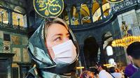Amber Heard saat mengunjungi Hagia Sophia di Turki (Dok.Instagram/@amberheard/https://www.instagram.com/p/CEDCBQrh9JN/Komarudin)