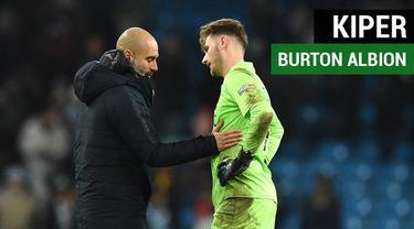 Berita video kisah singkat yang menarik tentang kiper Burton Albion, Brad Collins, yang dibobol 9 kali oleh Manchester City pada leg I semifinal Piala Liga 2018-2019.