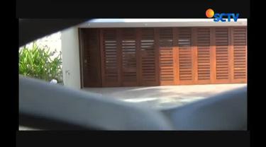 Penyidik Polda Sulawesi Selatan menyita dua rumah mewah milik bos perjalanan biro umrah Abu Tour.