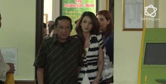 Tsania Marwa shock dan belum bisa berlapang dada saat hakim memutuskan hak asuh anak jatuh ke tangan Atalarik Syah.