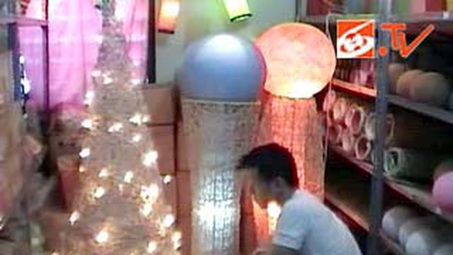Warna Gaun Natal Rotan Natal Bunga Daftar Harga Terlengkap Indonesia Source · Liputan6 com Surabaya Pohon