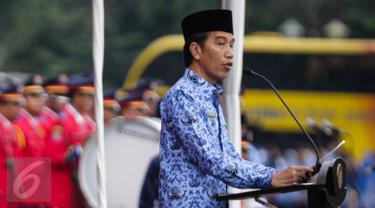 20161129-Jokowi Pimpin Upacara HUT ke-45 Korpri di Monas-Jakarta