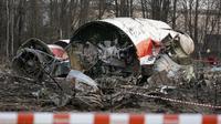 Pesawat yang ditumpangi Presiden Polandia pada 10 April 2010. Dok: AP Photo