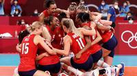 Reaksi para pemain AS setelah berhasil mengalahkan Brasil di Final Olimpiade, Minggu (08/08/2021). (Foto: Olympics)