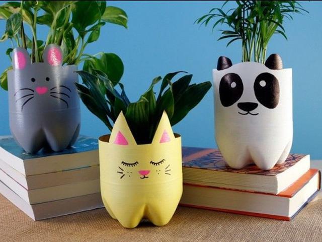 5 Cara Membuat Pot Bunga Lucu dari Botol Bekas, Selalu Kreatif di Rumah - Hot Liputan6.com