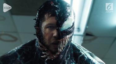 """Film anti-hero """"Venom"""" berhasil berada di peringkat pertama Box Office untuk minggu debutnya."""