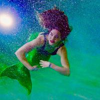 Ilustrasi putri duyung aka Mermaid | unsplash.com/@photologic
