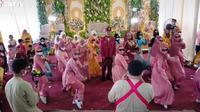 Video kompak flashmob joget TikTok di acara pernikahan, viral di medsos. (Sumber: TikTok/@tasekseminai)