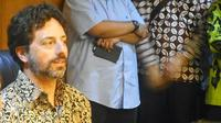 Sergey Brin dalam kunjungannya kemarin menegaskan Google tetap fokus pada kerjasama dengan operator terkait pengadaan layanan selular