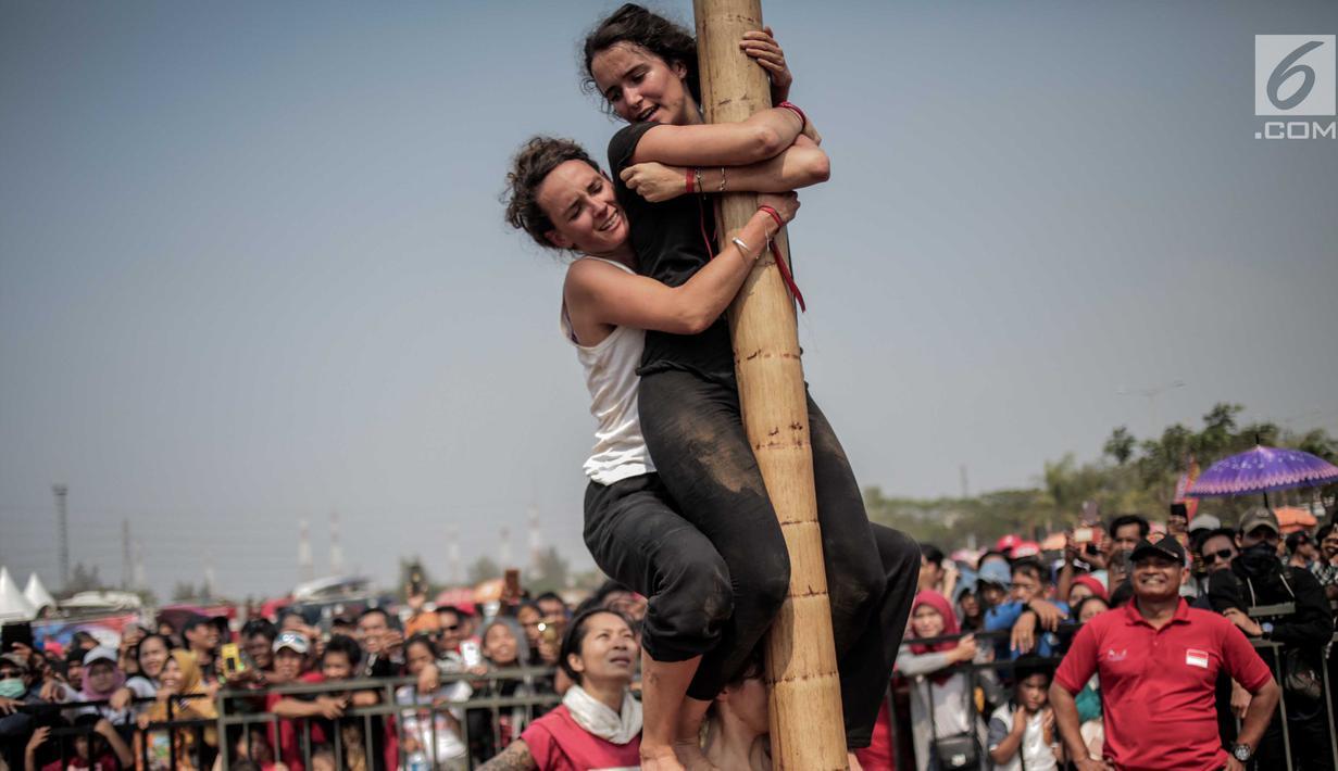 Unduh 420 Koleksi Gambar Lucu Panjat Pinang Terupdate