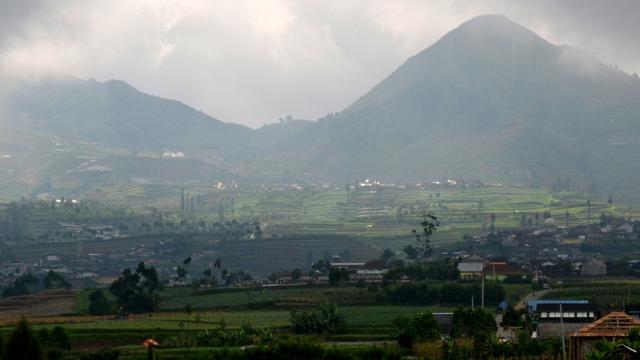 Wisata Dieng Wonosobo Yang Wajib Dikunjungi Banyak Dataran