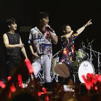 Jadi pengobat rindu, iKON suguhkan live performance di hadapan pengunjung Gudfest 2019. (Bambang E Ros/Fimela.com)