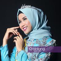 Meski nyaris gagal untuk mendapatkan mahkota Puteri Muslimah Indonesia 2017, Syifa Fatimah akhirnya tampil sebagai pemegang mahkota. Cewek cantik asal Jepara itu mengikuti audisi di Yogyakarta. (Adrian Putra/Bintang.com)