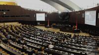 Rapat Paripurna untuk membahas tata tertib dan rekomendasi MPR. Namun, dari 560 anggota hanya 148 anggota yang hadir dalam rapat, Jakarta, Senin (22/9/2014) (Liputan6.com/Andrian M Tunay)