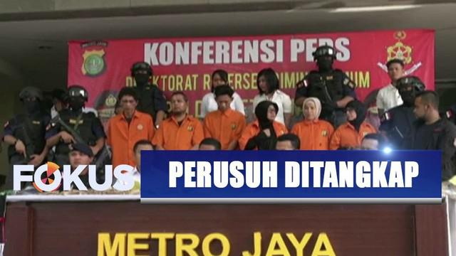 Kelompok pengacau pelantikan presiden dan wakil presiden terdiri dari enam orang yang tiga di antaranya perempuan.