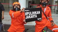 kelompok masyarakat yang menamakan diri Gerakan Inisiatif Bersihkan Udara Koalisi Semesta (Ibukota) mendatangi Balai Kota DKI Jakarta meminta agar pemerintah serius tangani polusi udara. (Foto: Liputan6/Giovani Dio Prasasti)