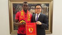 Striker asal Kolombia, Jackson Martinez, pindah dari Atletico Madrid menuju Guangzhou Evergrande pada Rabu (3/2/2016). (dok. Guangzhou Evergrande)