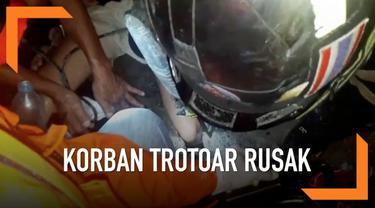 Kaki seorang gadis berusia 16 tahun terjatuh di celah trotoar di Thailand. Petugas berhasil menyelamatkan kaki gadis tersebut setelah 1 jam.