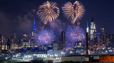 FOTO: Pesta Kembang Api Meriahkan Hari Kemerdekaan Amerika Serikat