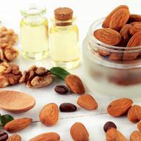 Ilustrasi Kacang Almond (iStockphoto)