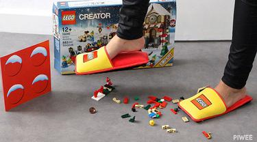 Sendal Lego lindungi kaki orang tua dari potongan Lego yang berserakan