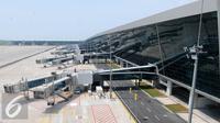 Tampak luar Terminal 3 Ultimate, Bandara Soekarno Hatta, Tangerang, Rabu (13/7). Jelang pengoperasian, Angkasa Pura II terus membenahi kekurangan segala keperluannya. (Liputan6.com/Helmi Afandi)