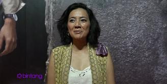 Cut Mini hadir di gala premier Ada Apa Dengan Cinta 2 di Yogyakarta. Penasaran dengan akhir ceritanya, Cut Mini pun pasrah dengan kelanjutan cerita Cinta dan Rangga dalam film ini.