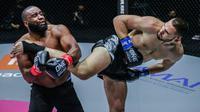 Pertarungan Rade Opacic vs Errol Zimmerman di One Championship (One Championship)