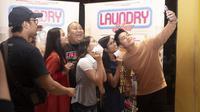 Kemeriahan nonton bareng Laundry Show bersama para pengusaha laundry