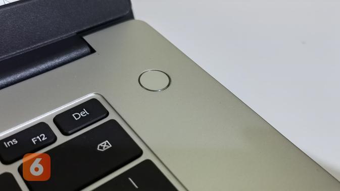 Fingerprint di tombol Power sekaligus untuk keperluan login pada Huawei MateBook D15 (Liputan6.com/ Agustin Setyo W).