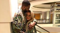 Dilansir dari HollywoodLife, Khloe Kardashian tak terburu-buru untuk bertunangan dengan Tristan. (instagram/khloekardashian)