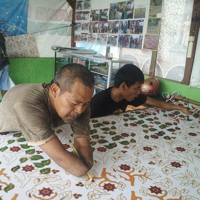 Kisah Pengrajin Batik Difabel Blora Mustika Tetap Eksis di Tengah Pandemi